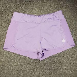 🤩 Like new Women's Reebok active shorts size L